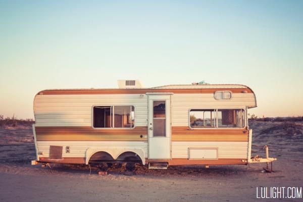 abandoned trailer, lulightcom, lucia ferreira litowtschenko